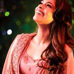 Kiki Vijay, smile, anchor, hd, colour tv