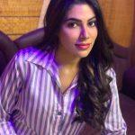 Nikki Tamboli, Cheekati Gadhilo Chithakottudu Heroine, shirt, romantic