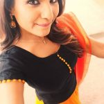 Sharanya Turadi, Nenjam Marappathillai Serial Actress, selfie, top view