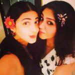 Shruti Haasan, recent, selfie, friends