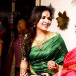 Soundarya Rajinikanth, hd, saree, wallpaper