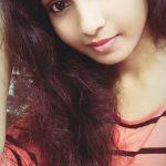Venba, Maayanadhi Actress, pink dress