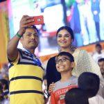 Indhuja Ravichandran, fans, family, selfie