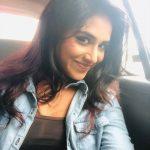 Indhuja Ravichandran, smile, selfie