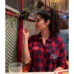 Ritika Singh, shirt