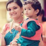Saranya Mohan, fat, child