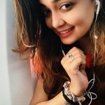 Soundarya Bala Nandakumar, yours shamefully 2 Heroine, head phone