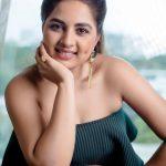 Srushti Dange, Pottu Actress, smile, dimple