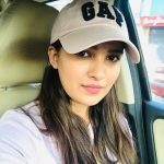 Vani Bhojan, car, cap, serial actress